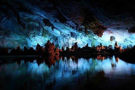 10 fotografías de lagos y ríos subterraneos