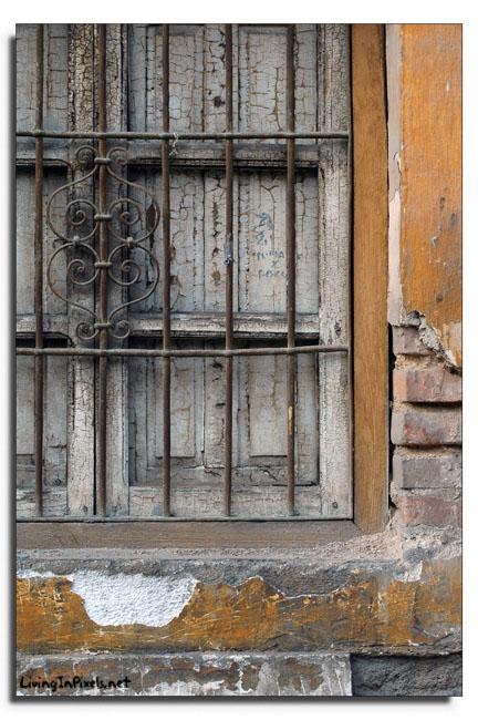 2007-12-23 12.09.55_finestra_vella